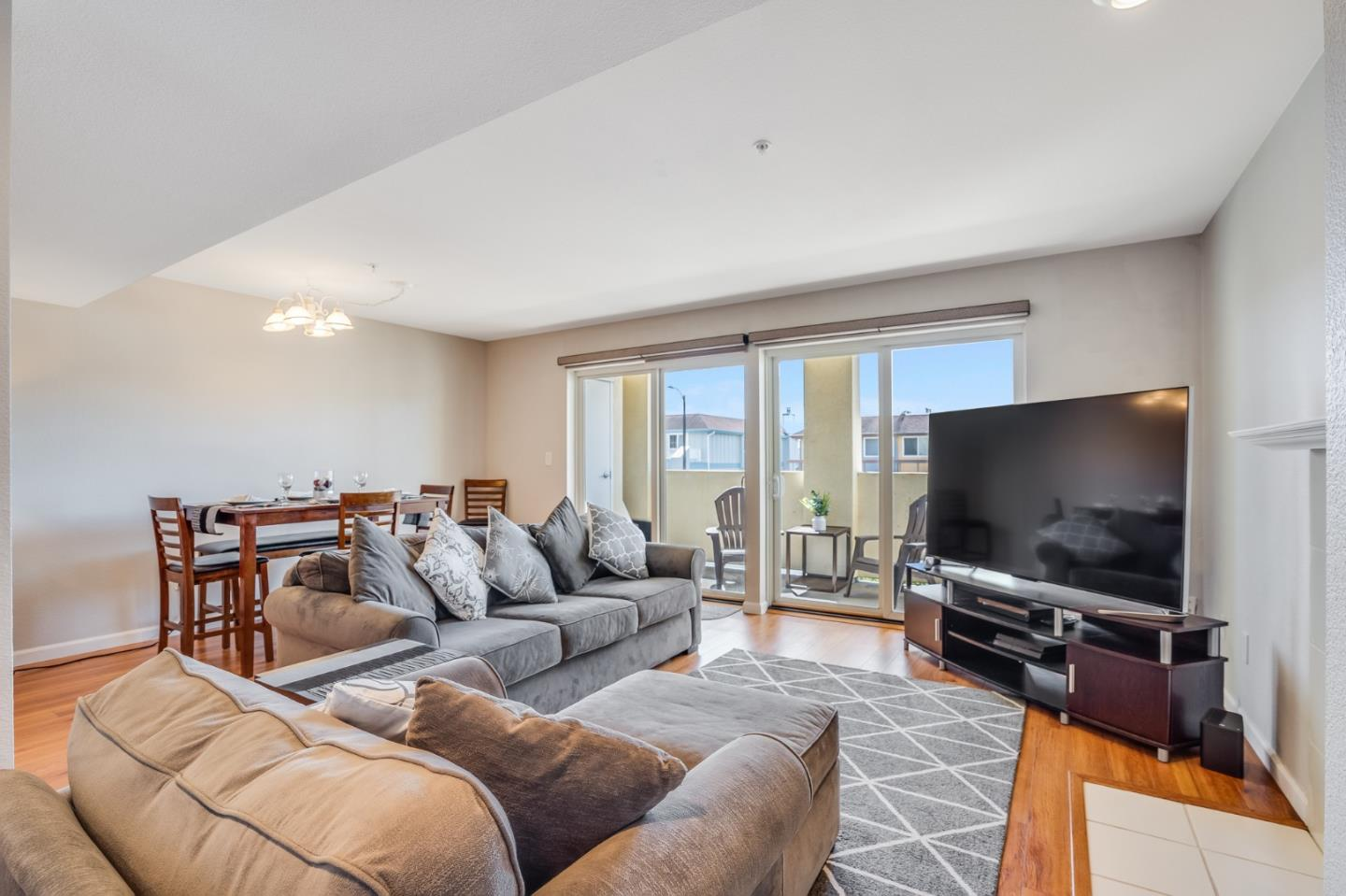 Detail Gallery Image 1 of 24 For 3855 Carter Dr #105,  South San Francisco,  CA 94080 - 2 Beds | 2 Baths
