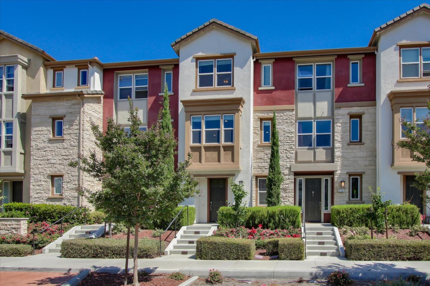 Detail Gallery Image 1 of 40 For 123 Newbury St, Milpitas, CA 95035 - 4 Beds   4 Baths