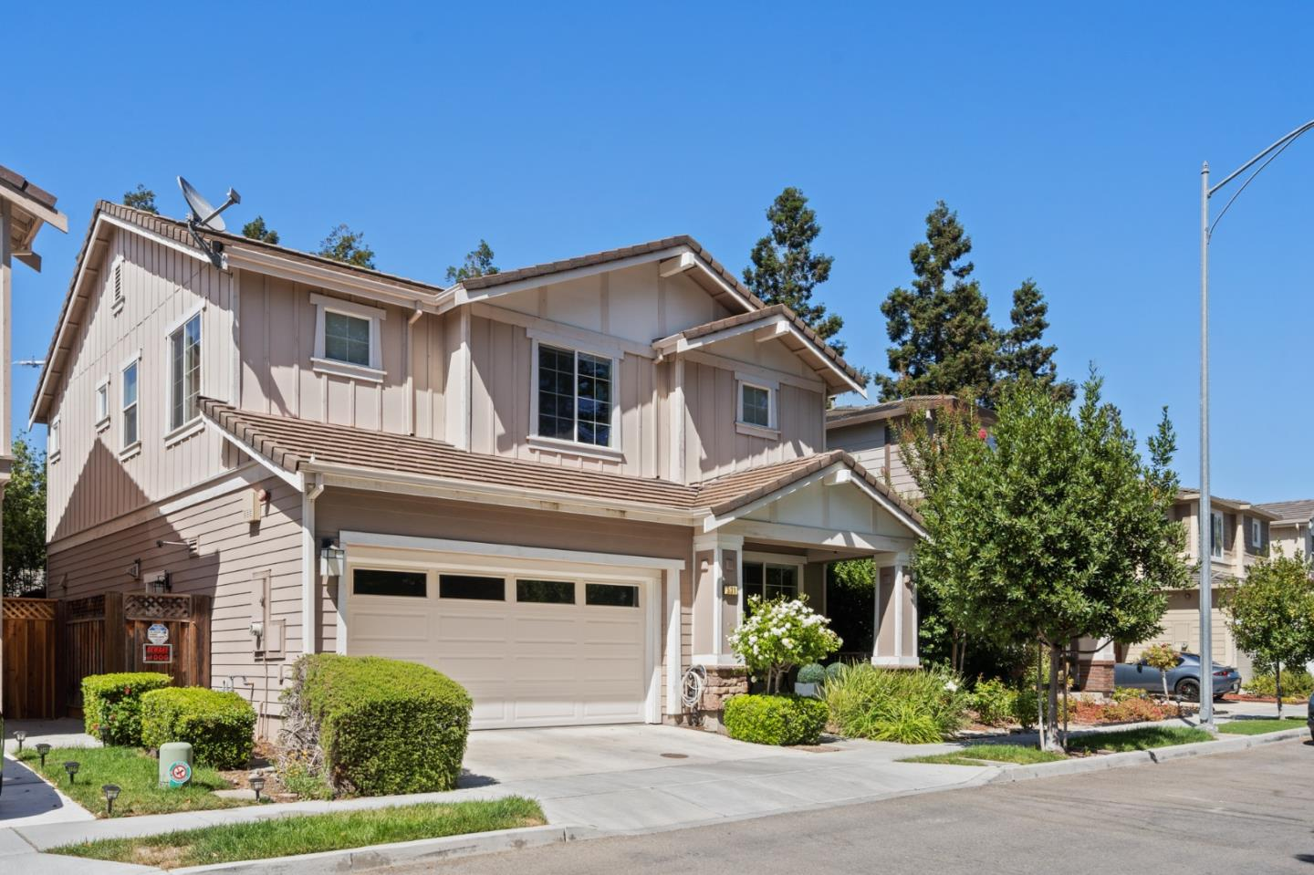 Detail Gallery Image 1 of 1 For 531 Falcon Pl, San Jose,  CA 95125 - 4 Beds | 2/1 Baths