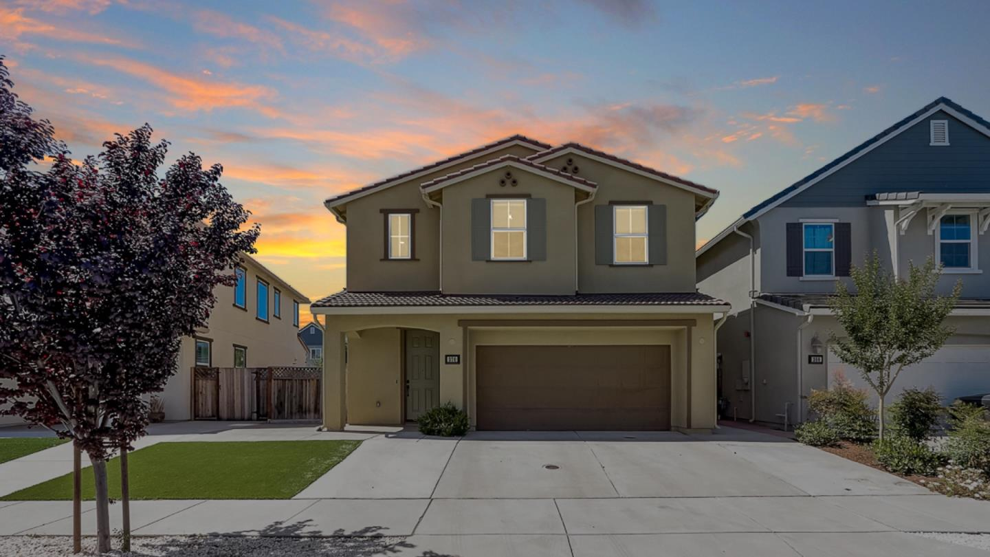 Detail Gallery Image 1 of 1 For 370 Windsong Way, Gilroy,  CA 95020 - 4 Beds | 2/1 Baths
