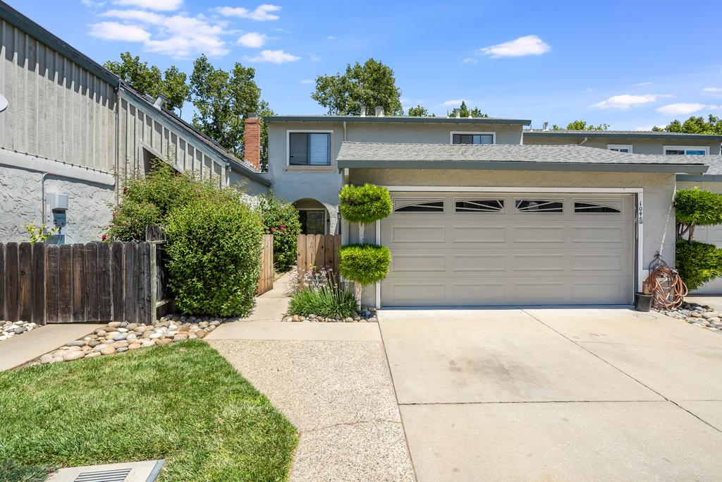 Detail Gallery Image 1 of 21 For 1045 Fillippelli Dr, Gilroy,  CA 95020 - 3 Beds | 2/1 Baths