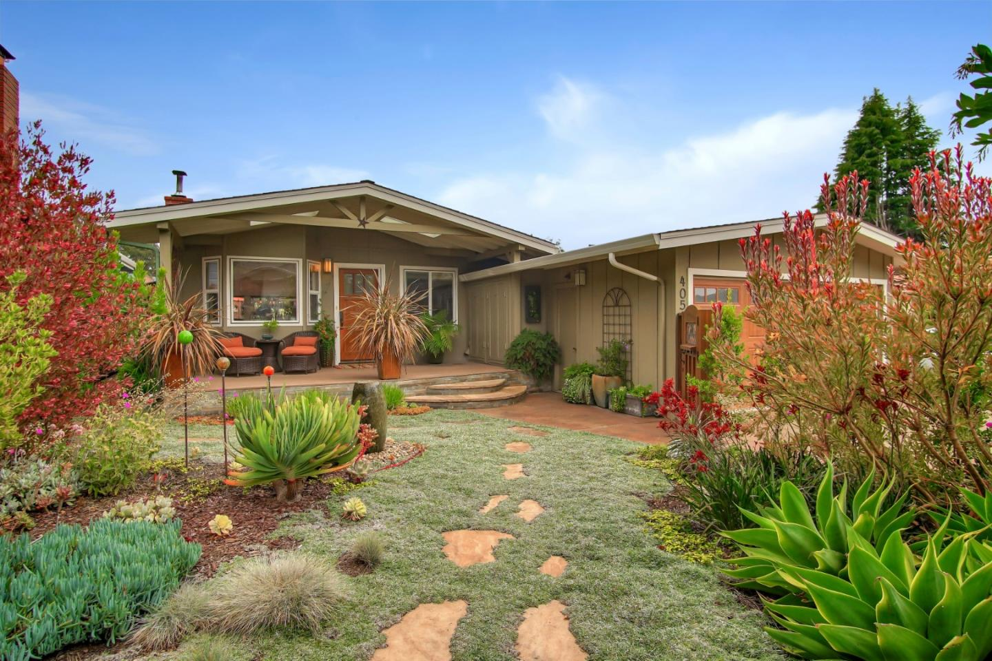Detail Gallery Image 1 of 1 For 405 Locke Dr, Aptos,  CA 95003 - 2 Beds   2 Baths