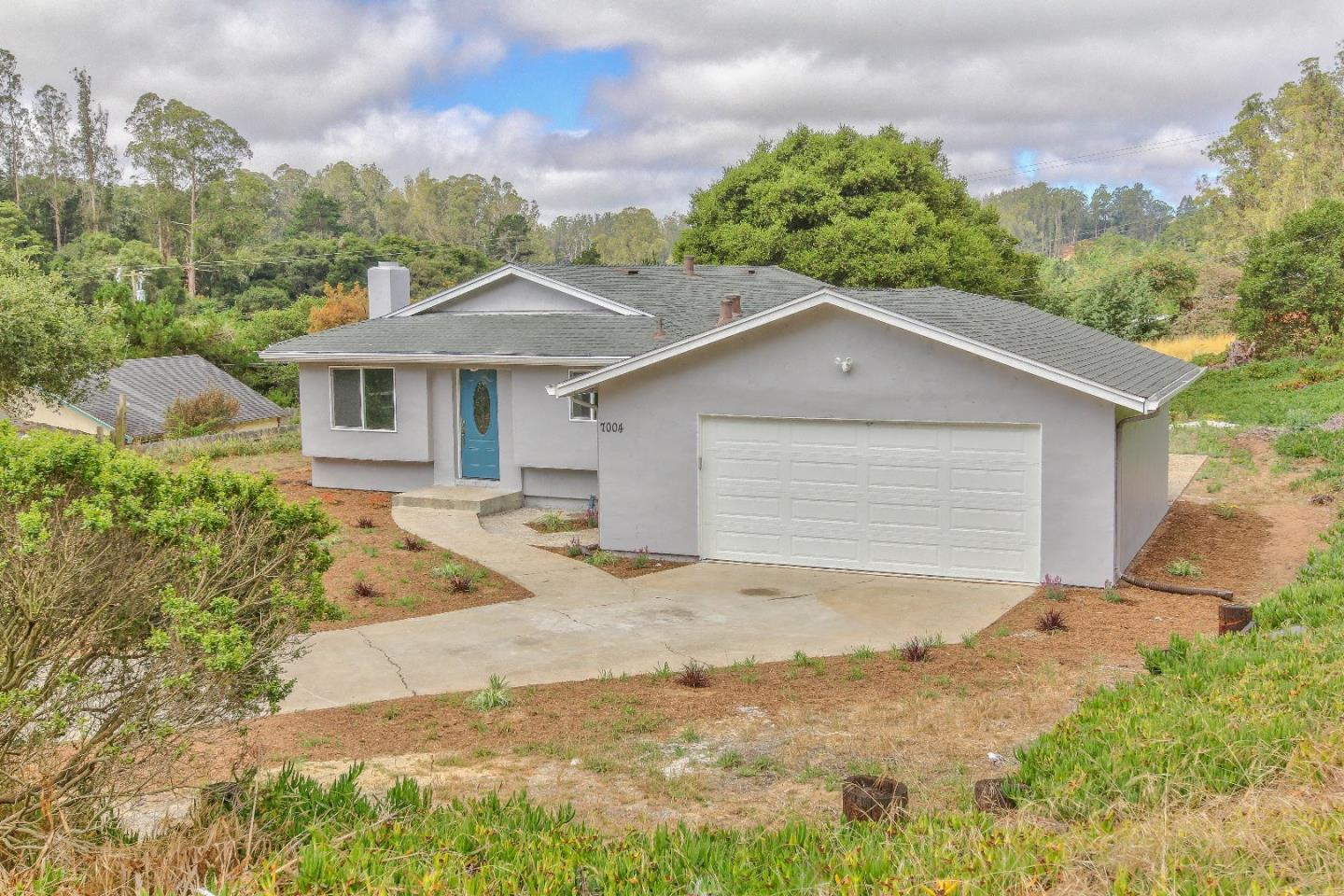 Detail Gallery Image 1 of 35 For 7004 Gregory Ln #C,  Salinas,  CA 93907 - 3 Beds | 2 Baths