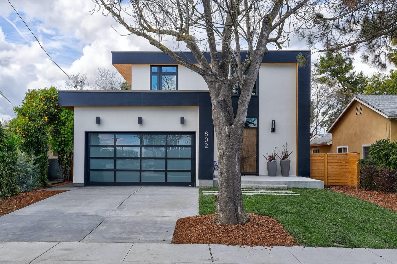 802 Farley Street Mountain View, CA 94043