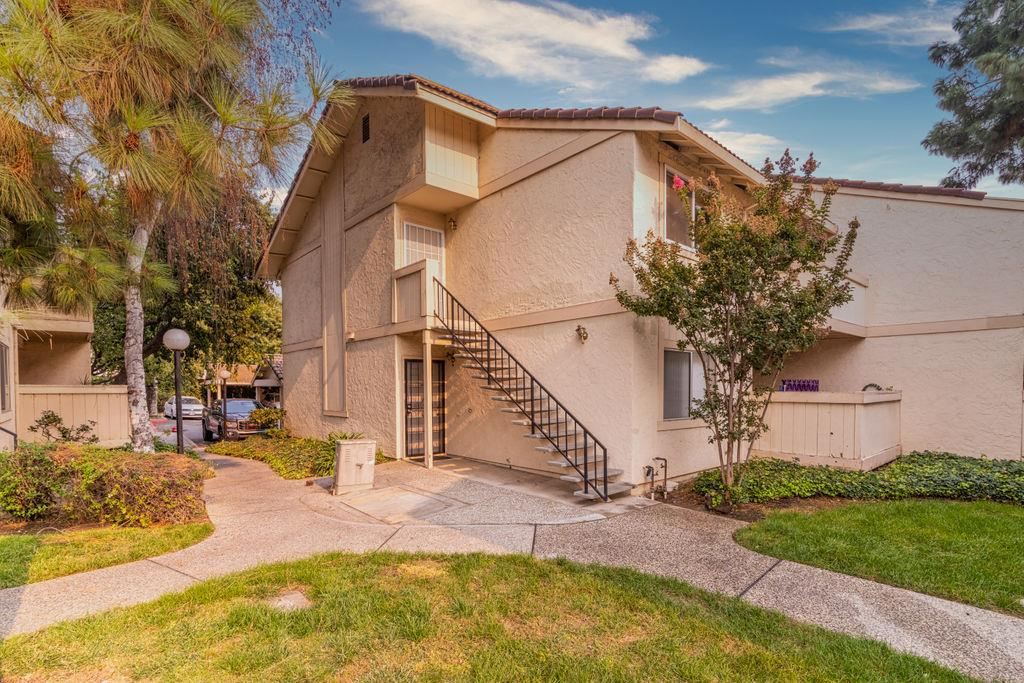 Detail Gallery Image 1 of 1 For 2278 Alexian Dr, San Jose,  CA 95116 - 2 Beds | 2 Baths