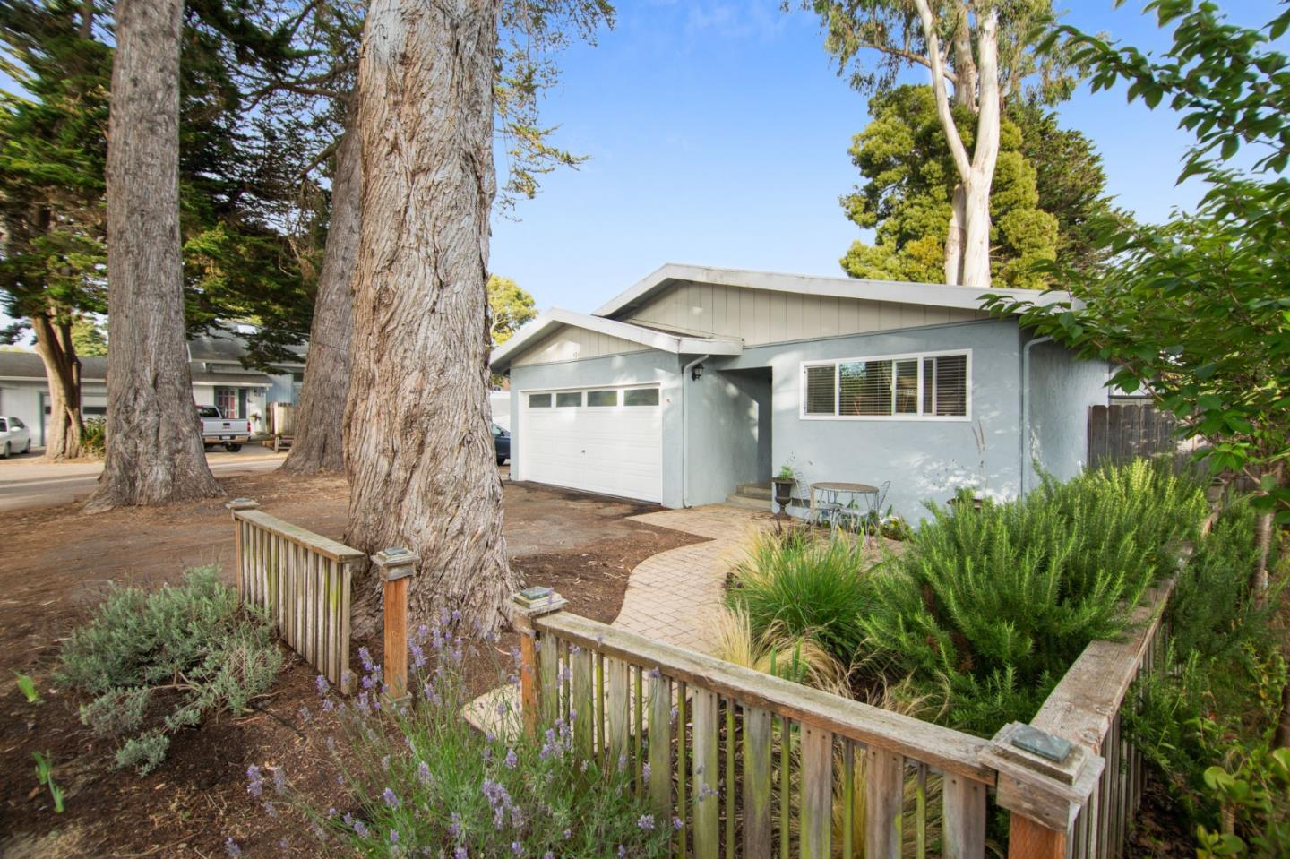 Detail Gallery Image 1 of 1 For 529 Spruce St, Aptos,  CA 95003 - 2 Beds | 1 Baths