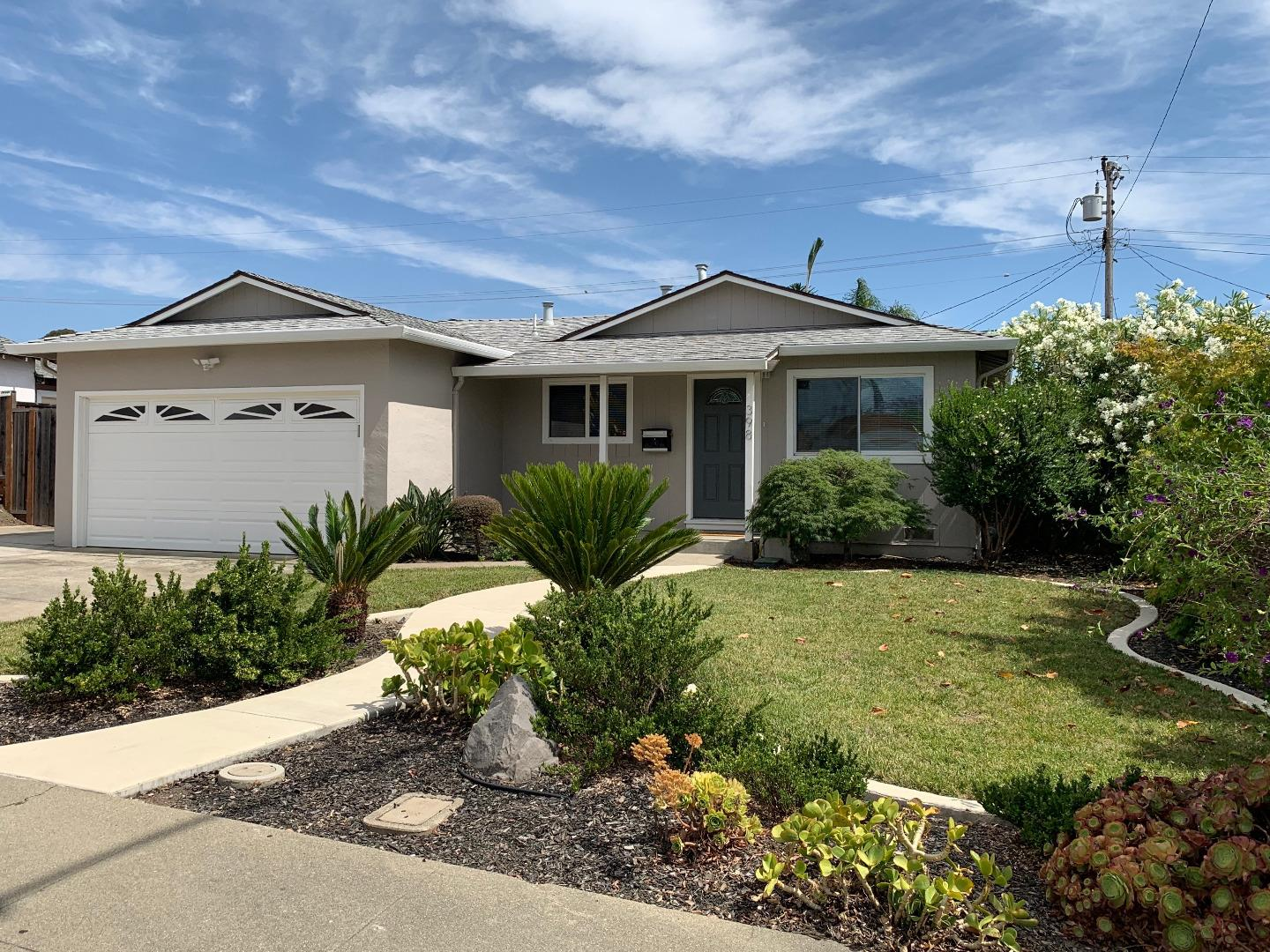 Detail Gallery Image 1 of 27 For 398 Manferd St, Milpitas, CA 95035 - 3 Beds | 2 Baths