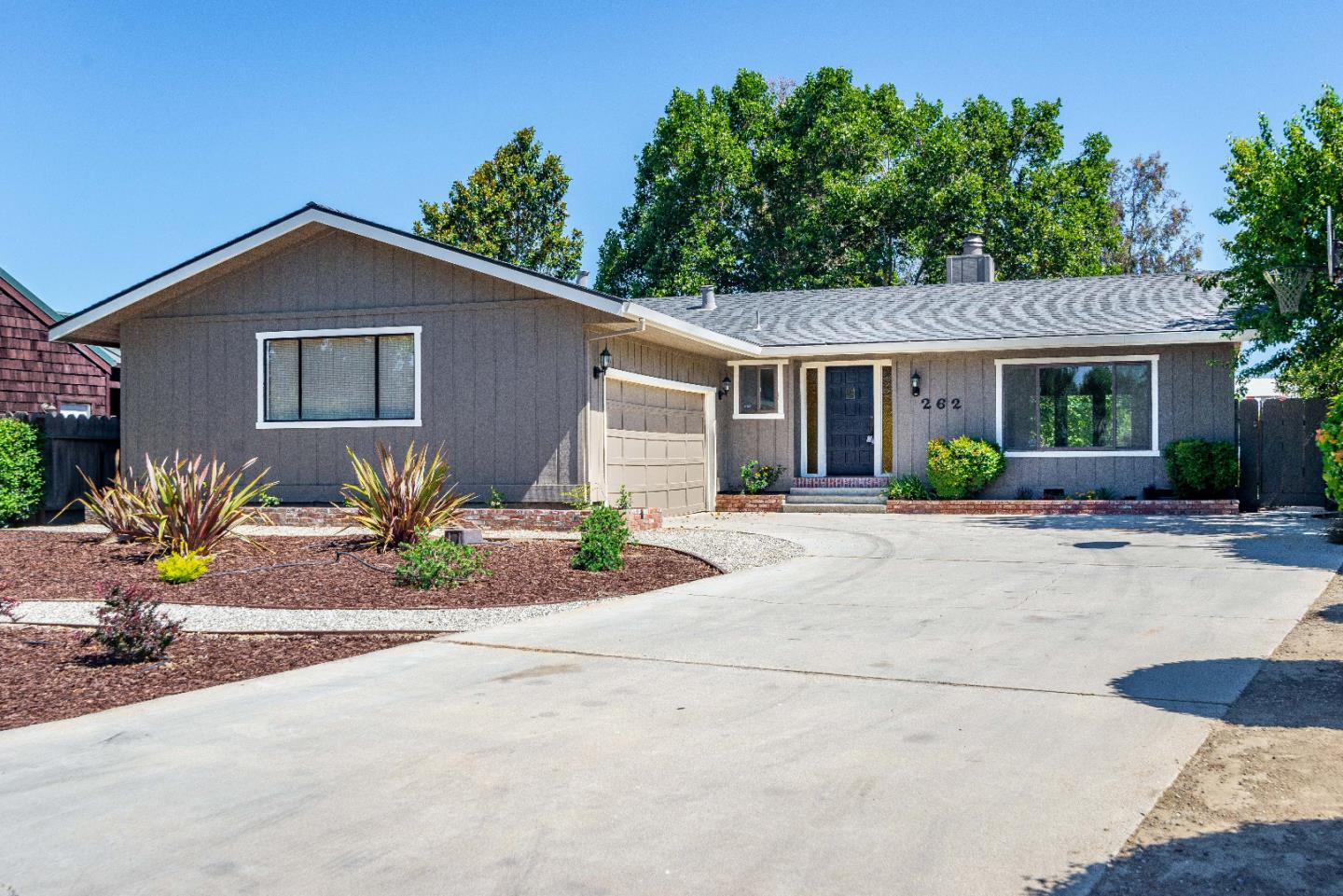 Detail Gallery Image 1 of 1 For 262 Rio Vista Dr, King City,  CA 93930 - 3 Beds | 2 Baths