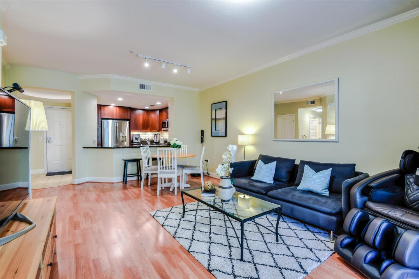 Detail Gallery Image 1 of 1 For 700 S Abel St #221, Milpitas, CA 95035 - 2 Beds | 2 Baths