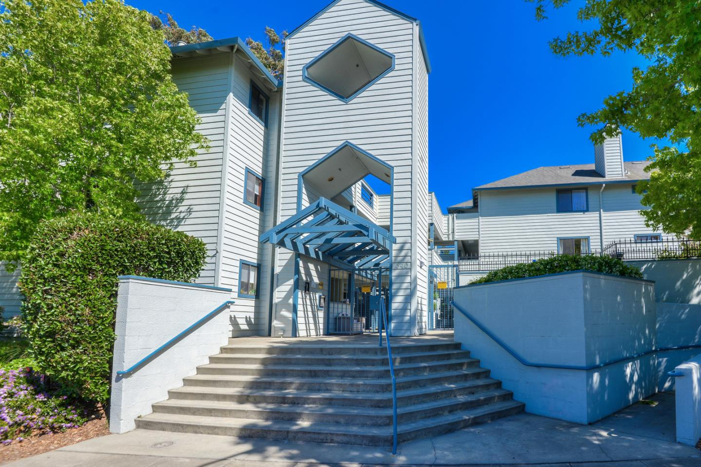 Detail Gallery Image 1 of 38 For 340 Grand Blvd #27, San Mateo, CA 94401 - 2 Beds | 2 Baths