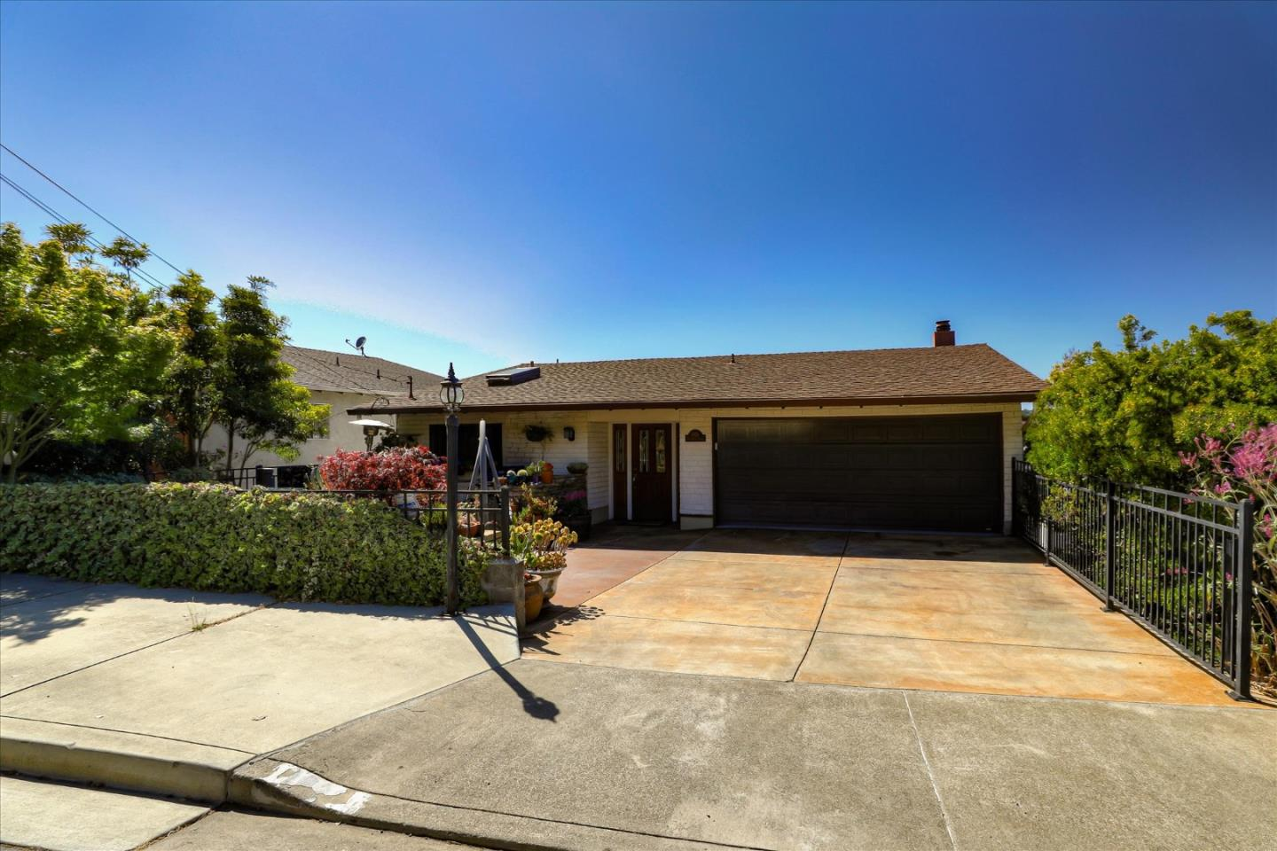 Detail Gallery Image 1 of 1 For 1826 Oak Knoll Dr, Belmont,  CA 94002 - 4 Beds | 2/1 Baths