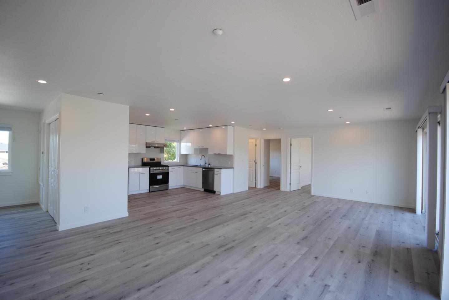 Detail Gallery Image 1 of 24 For 118 N Idaho, San Mateo,  CA 94401 - 3 Beds | 2 Baths