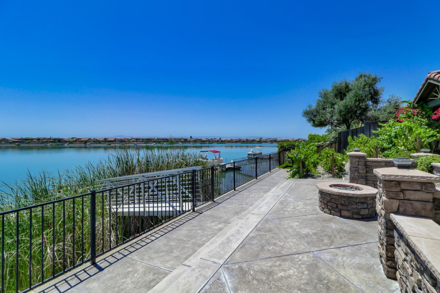 Detail Gallery Image 1 of 1 For 3970 Chiavari Way, Manteca, CA 95337 - 4 Beds | 3/1 Baths