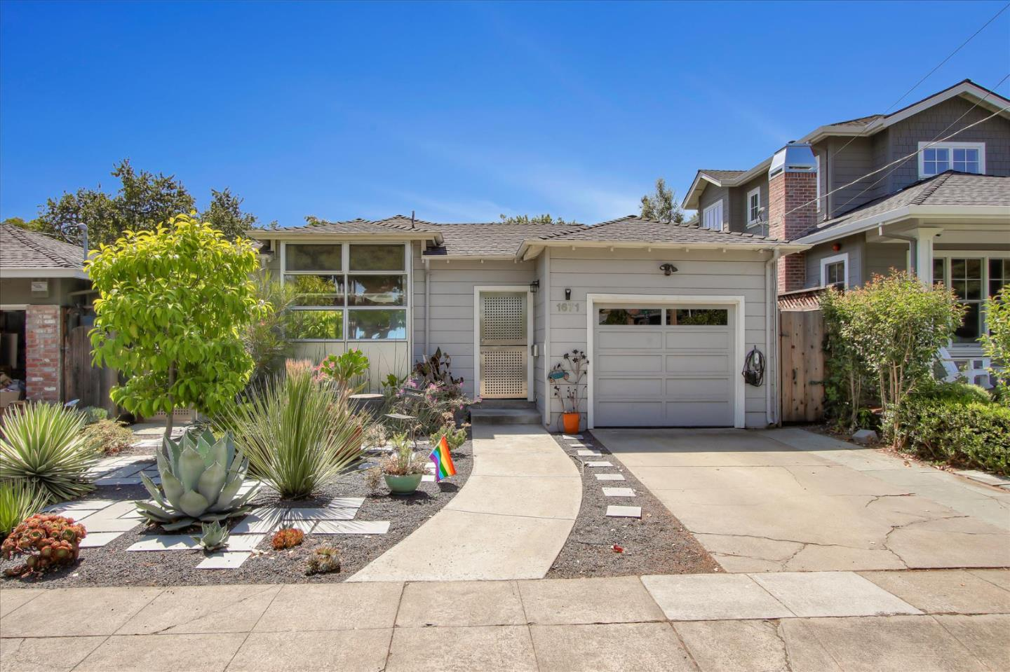 Detail Gallery Image 1 of 38 For 1671 Belmont Ave, San Carlos,  CA 94070 - 3 Beds   2/1 Baths