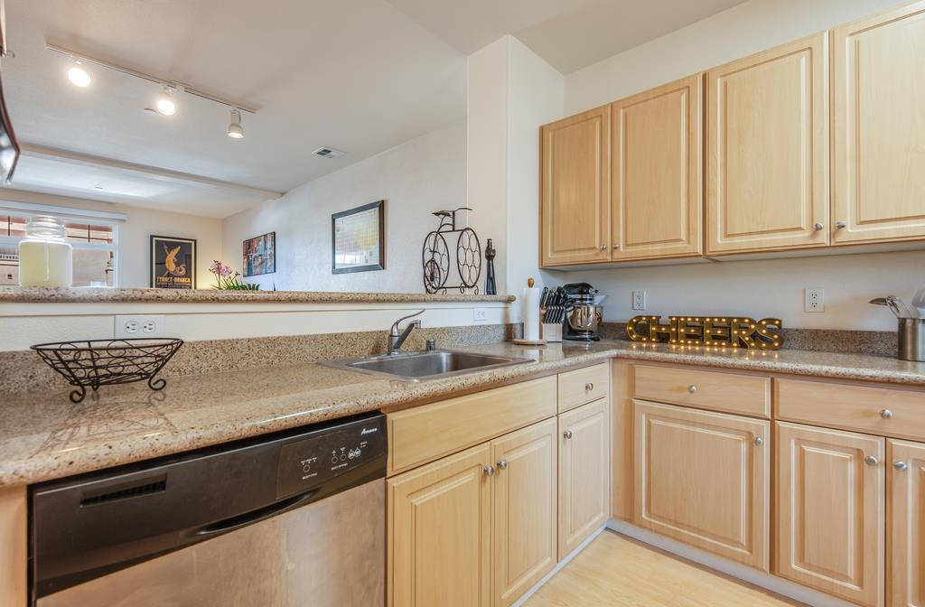 Detail Gallery Image 1 of 1 For 1399 S Winchester Blvd #207,  San Jose,  CA 95128 - 2 Beds   2/1 Baths