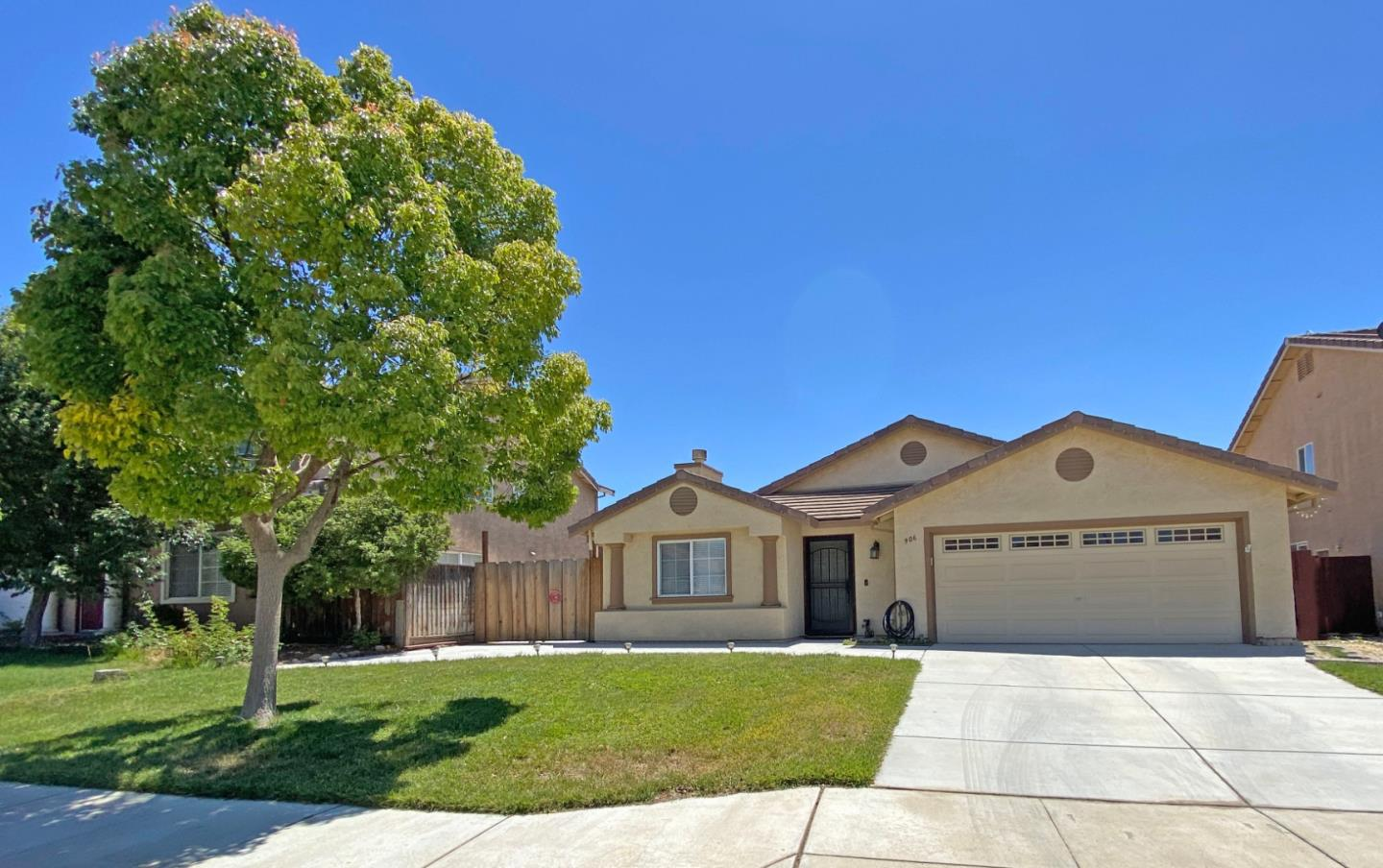 Detail Gallery Image 1 of 1 For 906 Engstrom St, Soledad,  CA 93960 - 4 Beds | 2/1 Baths