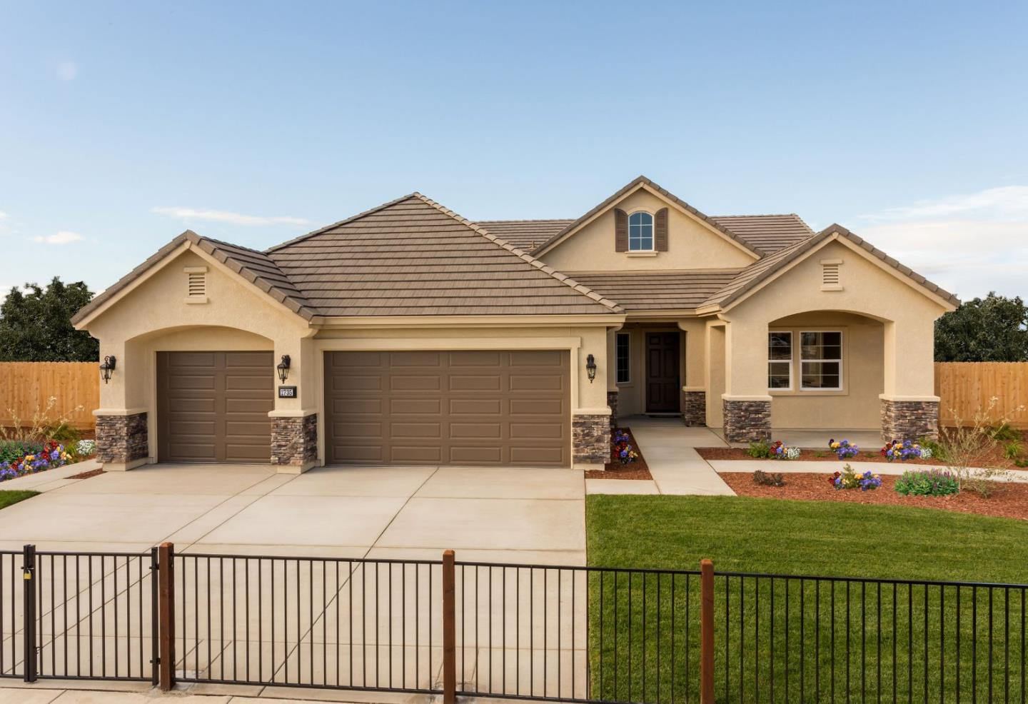 Detail Gallery Image 1 of 1 For 1735 Cobblefield Ln #15,  Los Banos,  CA 93635 - 4 Beds | 2 Baths