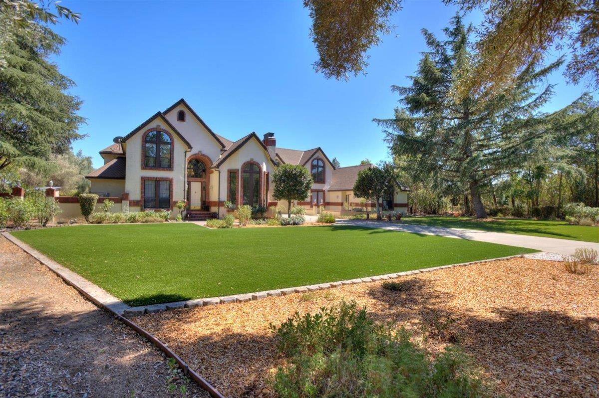 Detail Gallery Image 1 of 1 For 2192 Windemere Ct, Morgan Hill,  CA 95037 - 6 Beds | 5/1 Baths