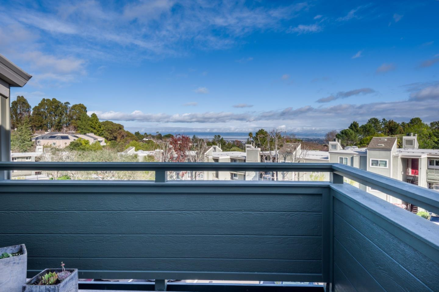 Detail Gallery Image 1 of 1 For 4032 Farm Hill Blvd #4,  Redwood City,  CA 94061 - 2 Beds | 2 Baths