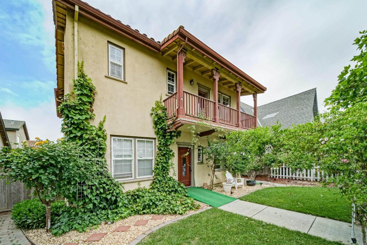 Detail Gallery Image 1 of 47 For 219 Bella St, Greenfield,  CA 93927 - 4 Beds   2/1 Baths