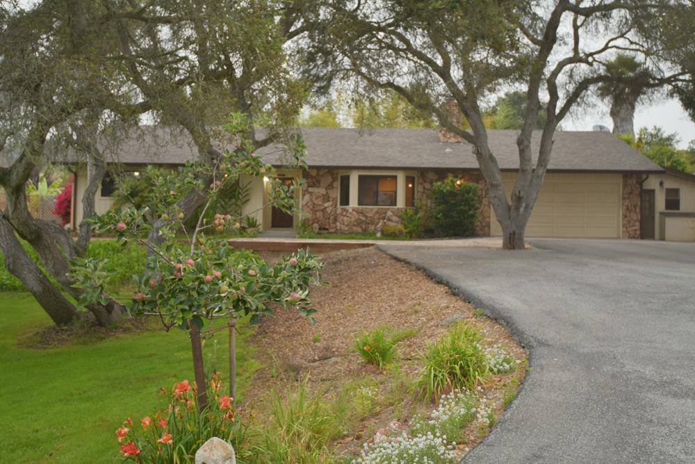 Detail Gallery Image 1 of 38 For 17875 Northwood Pl, Salinas, CA 93907 - 3 Beds | 2 Baths