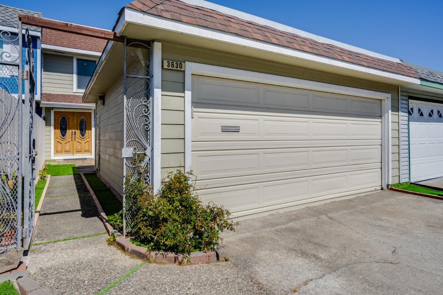 Detail Gallery Image 1 of 29 For 3630 Gilbert Ct, South San Francisco,  CA 94080 - 3 Beds | 2 Baths