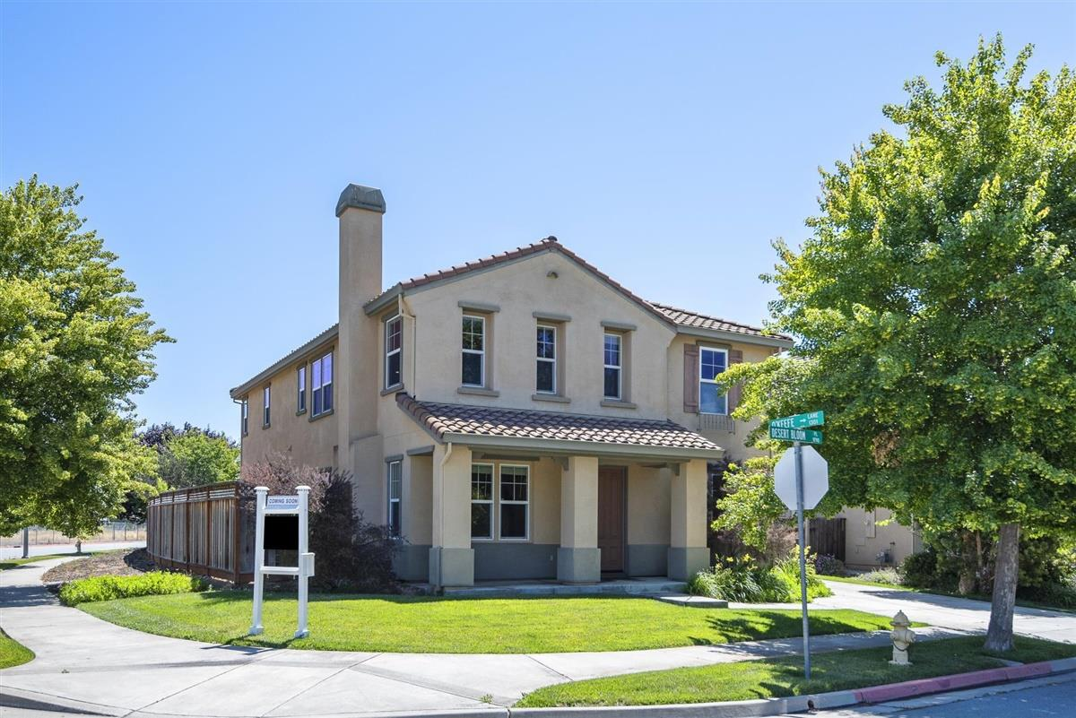 Detail Gallery Image 1 of 1 For 9790 Desert Bloom Pl, Gilroy,  CA 95020 - 4 Beds   3 Baths