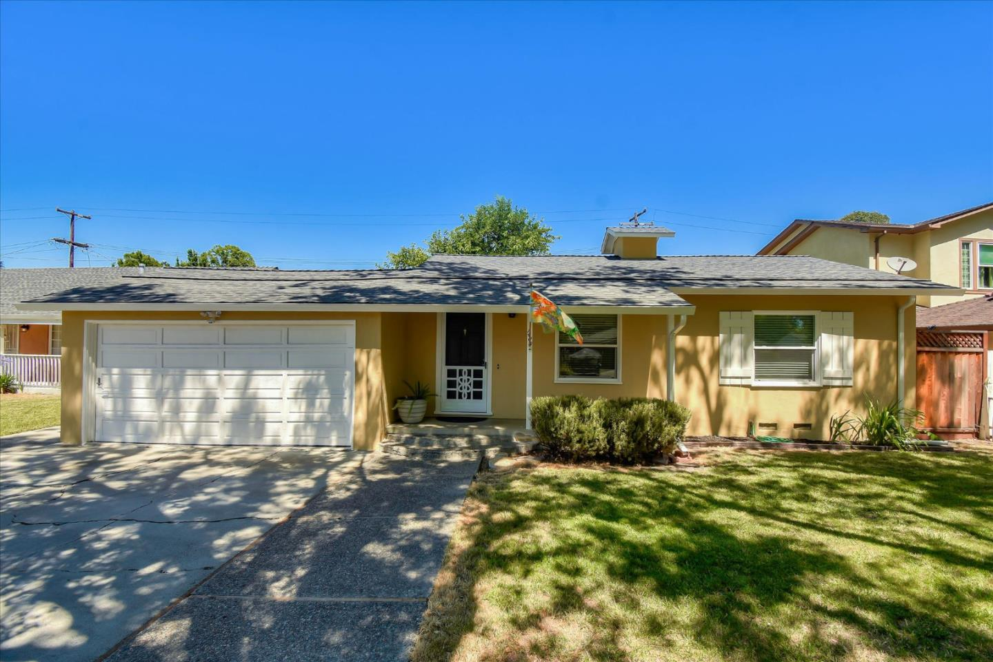 Detail Gallery Image 1 of 1 For 1485 Walnut Grove Ave, Santa Clara,  CA 95050 - 2 Beds | 1 Baths