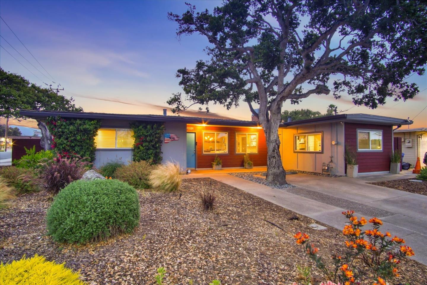 Detail Gallery Image 1 of 1 For 570 Casanova Ave, Monterey,  CA 93940 - 2 Beds | 2 Baths