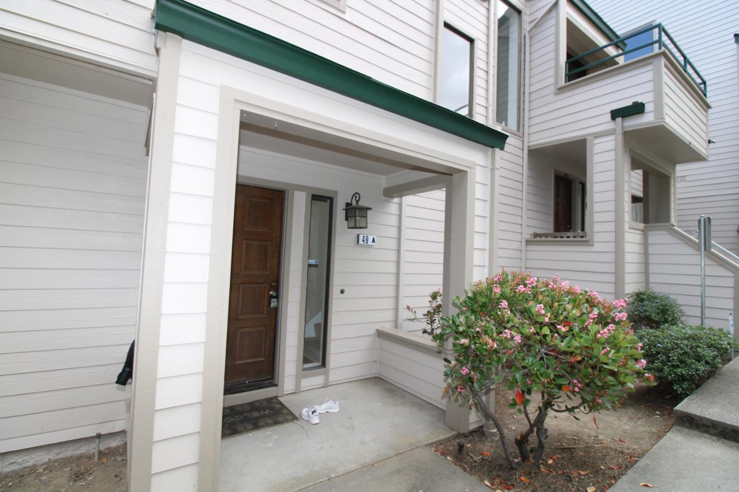 Detail Gallery Image 1 of 21 For 49 Appian Way #A,  South San Francisco,  CA 94080 - 2 Beds | 2/1 Baths