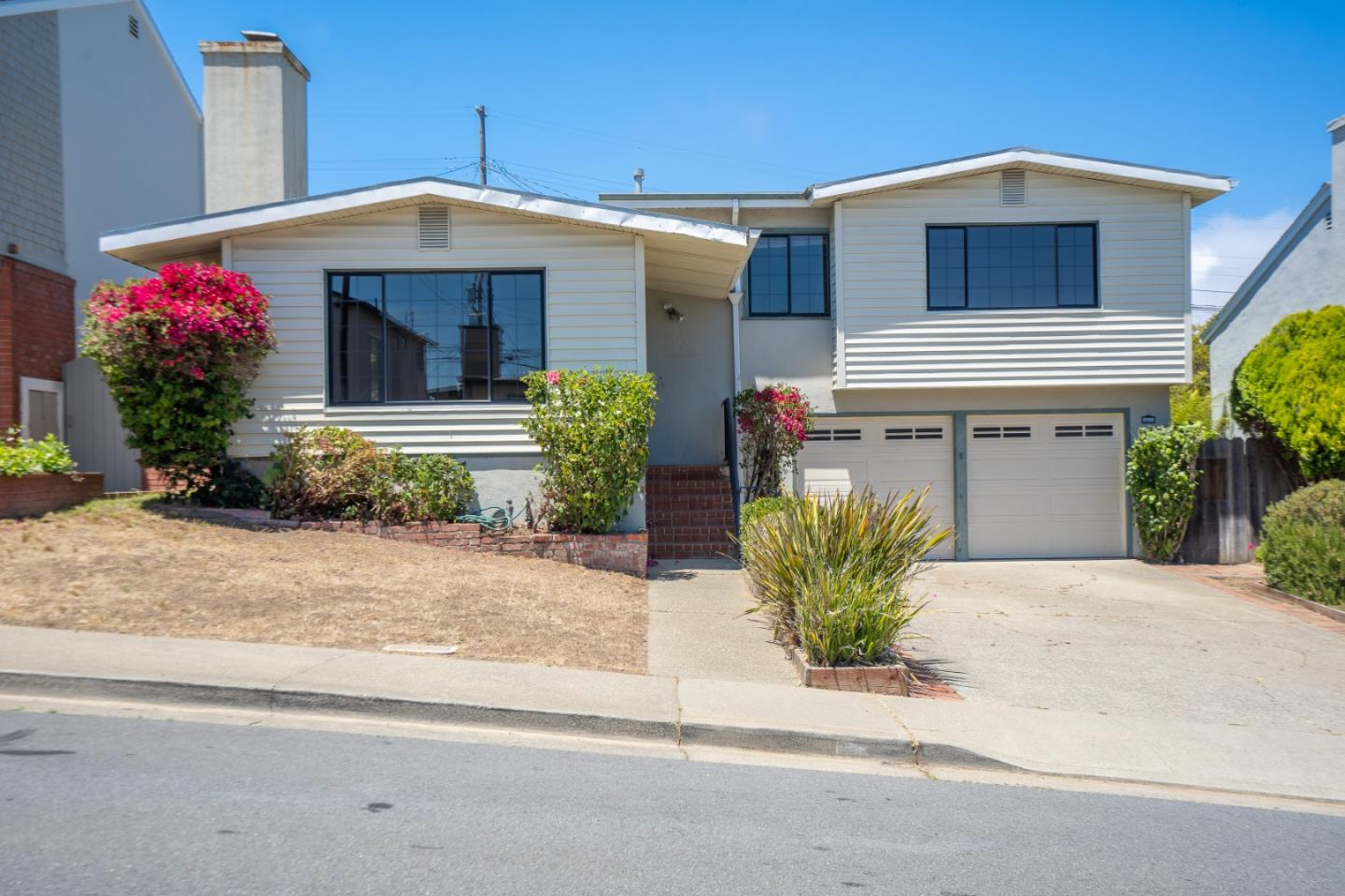 Detail Gallery Image 1 of 1 For 442 Zamora Dr, South San Francisco,  CA 94080 - 4 Beds | 1/1 Baths