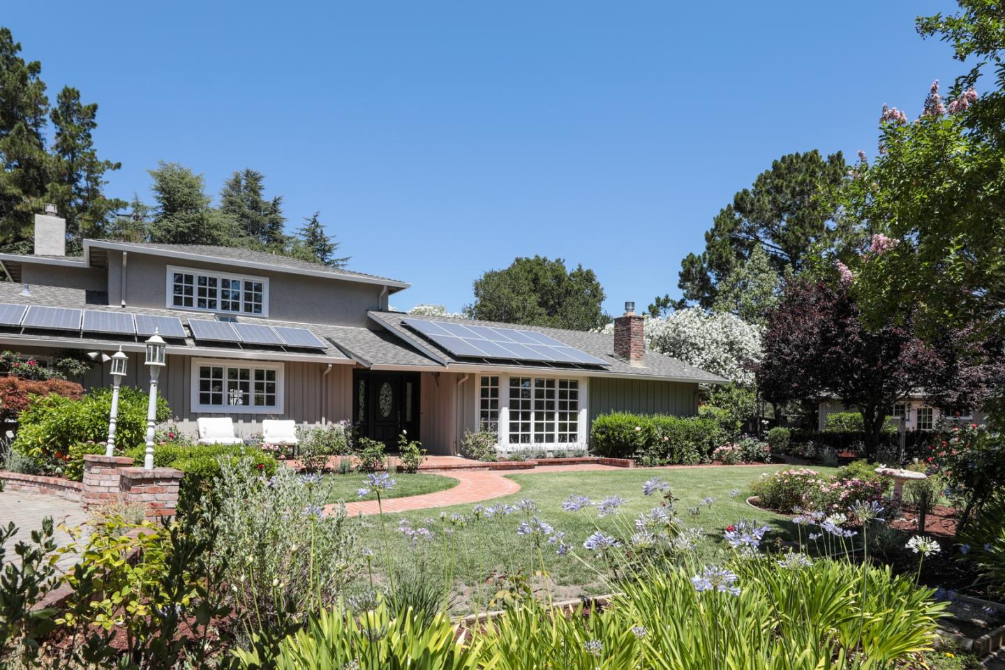 Detail Gallery Image 1 of 1 For 11035 Magdalena Rd, Los Altos Hills,  CA 94024 - 4 Beds | 3/1 Baths