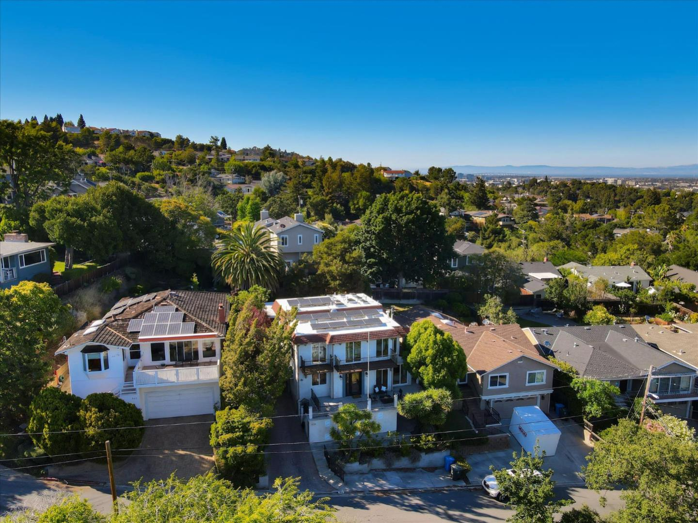Detail Gallery Image 1 of 1 For 936 Sunset Dr, San Carlos,  CA 94070 - 4 Beds | 4 Baths