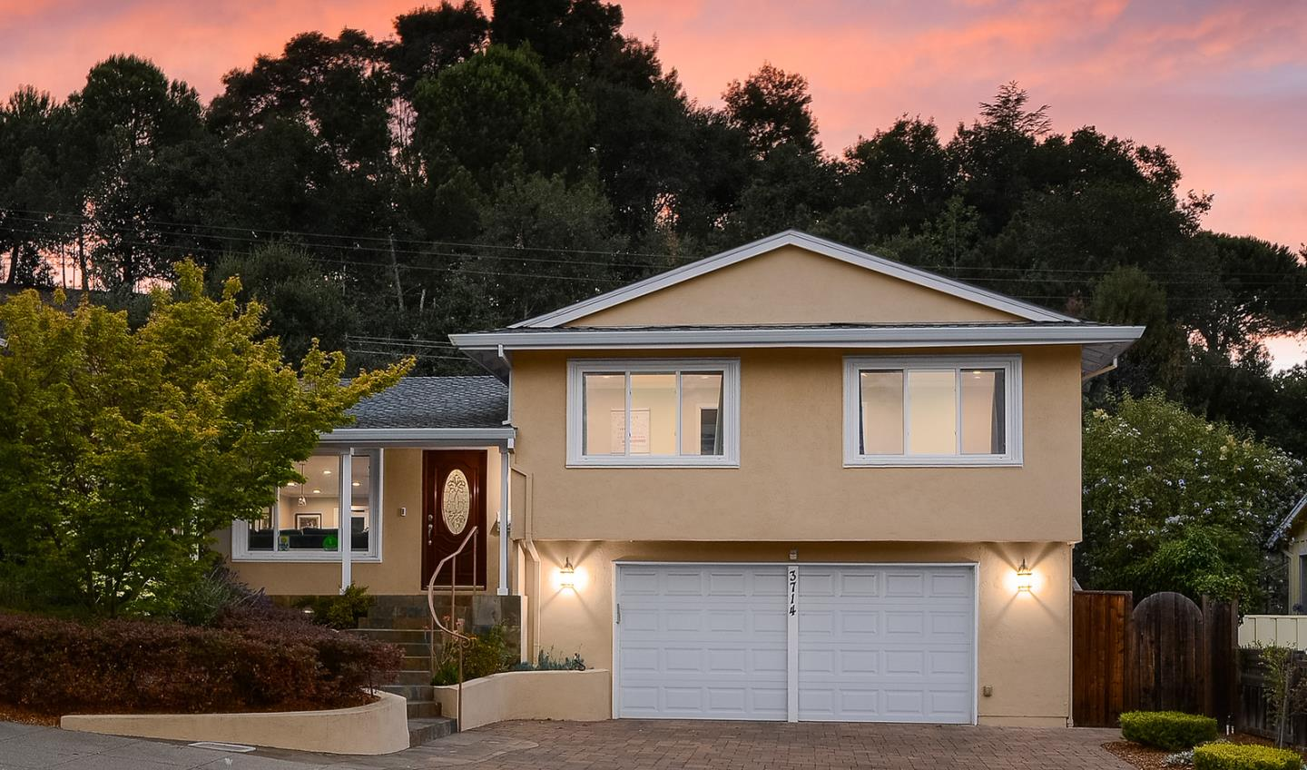 Detail Gallery Image 1 of 1 For 3714 Red Oak Way, Redwood City,  CA 94061 - 3 Beds | 2/1 Baths