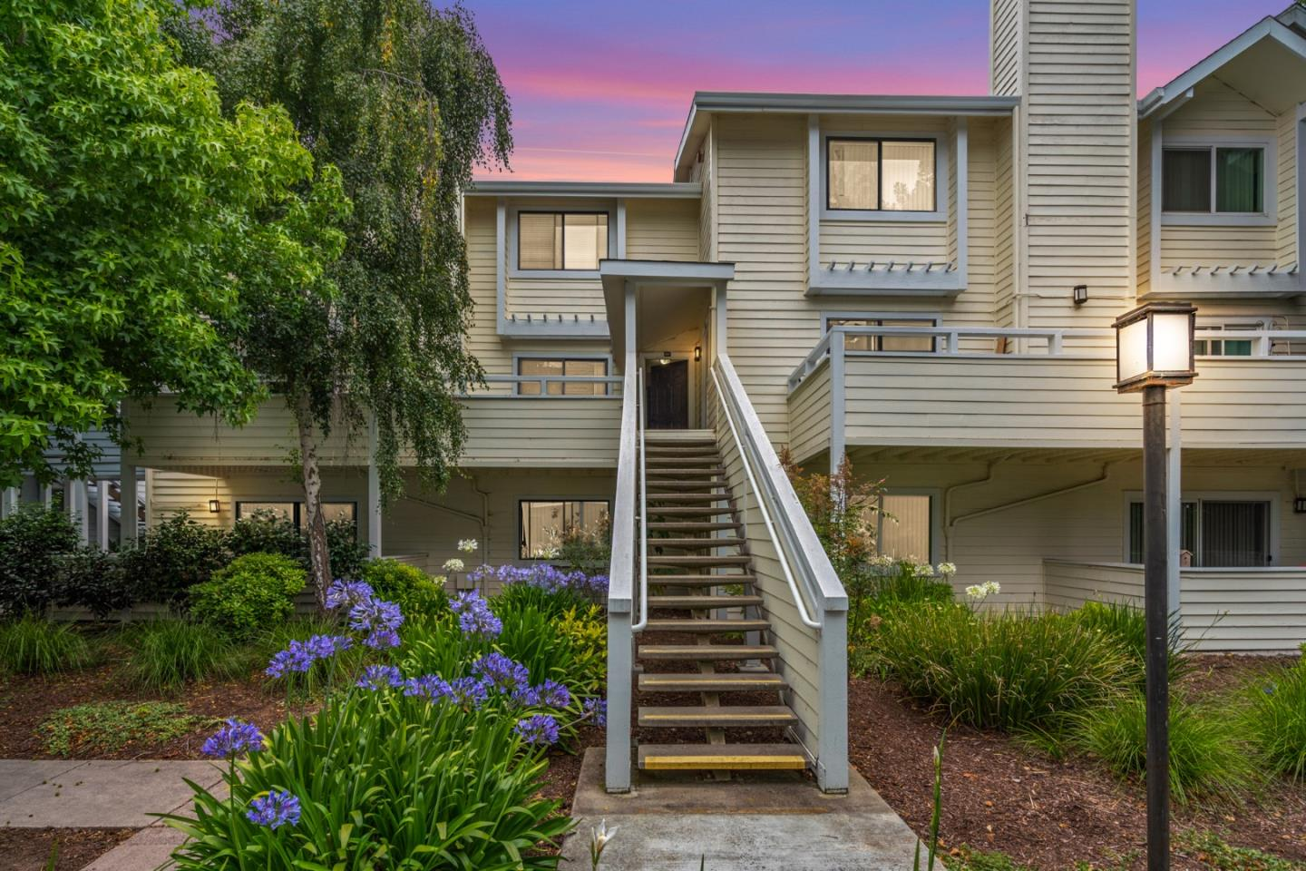 Detail Gallery Image 1 of 1 For 41 Grandview St #804,  Santa Cruz,  CA 95060 - 2 Beds | 2/1 Baths