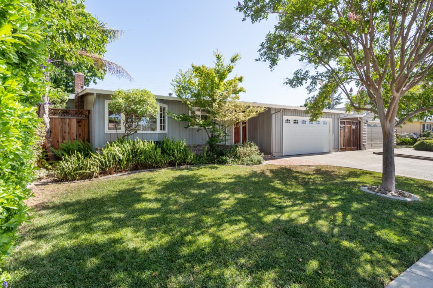 Detail Gallery Image 1 of 1 For 2466 Armstrong Pl, Santa Clara,  CA 95050 - 4 Beds   2 Baths