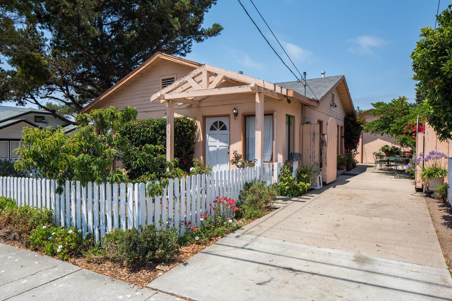 Photo of 1211 Echo AVE, SEASIDE, CA 93955