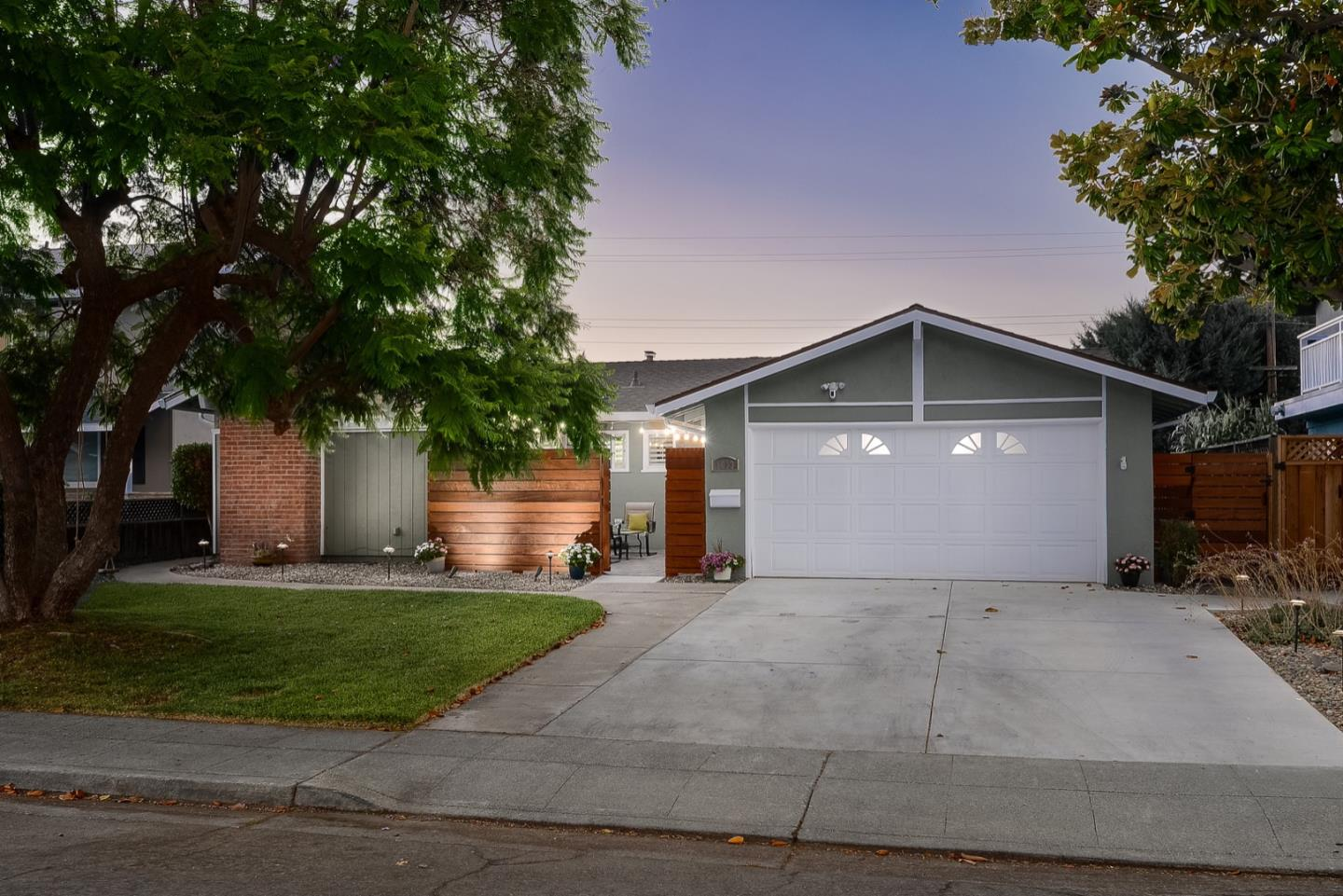Detail Gallery Image 1 of 1 For 1013 Rosa Ave, Sunnyvale,  CA 94086 - 4 Beds | 2/1 Baths
