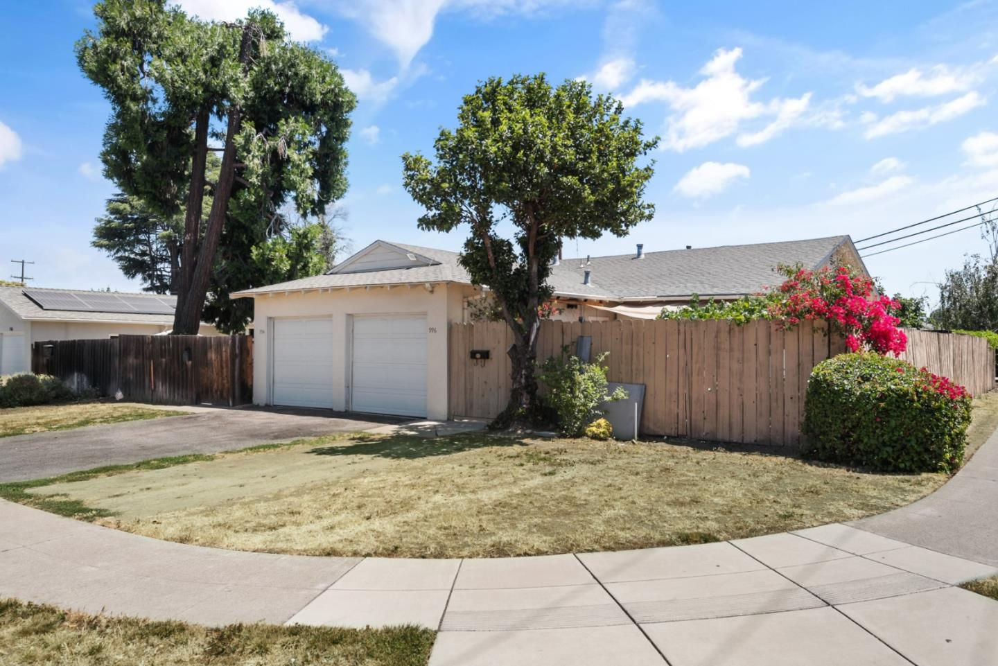 Detail Gallery Image 1 of 15 For 994 Gretchen Ln, San Jose, CA 95117 - – Beds | – Baths