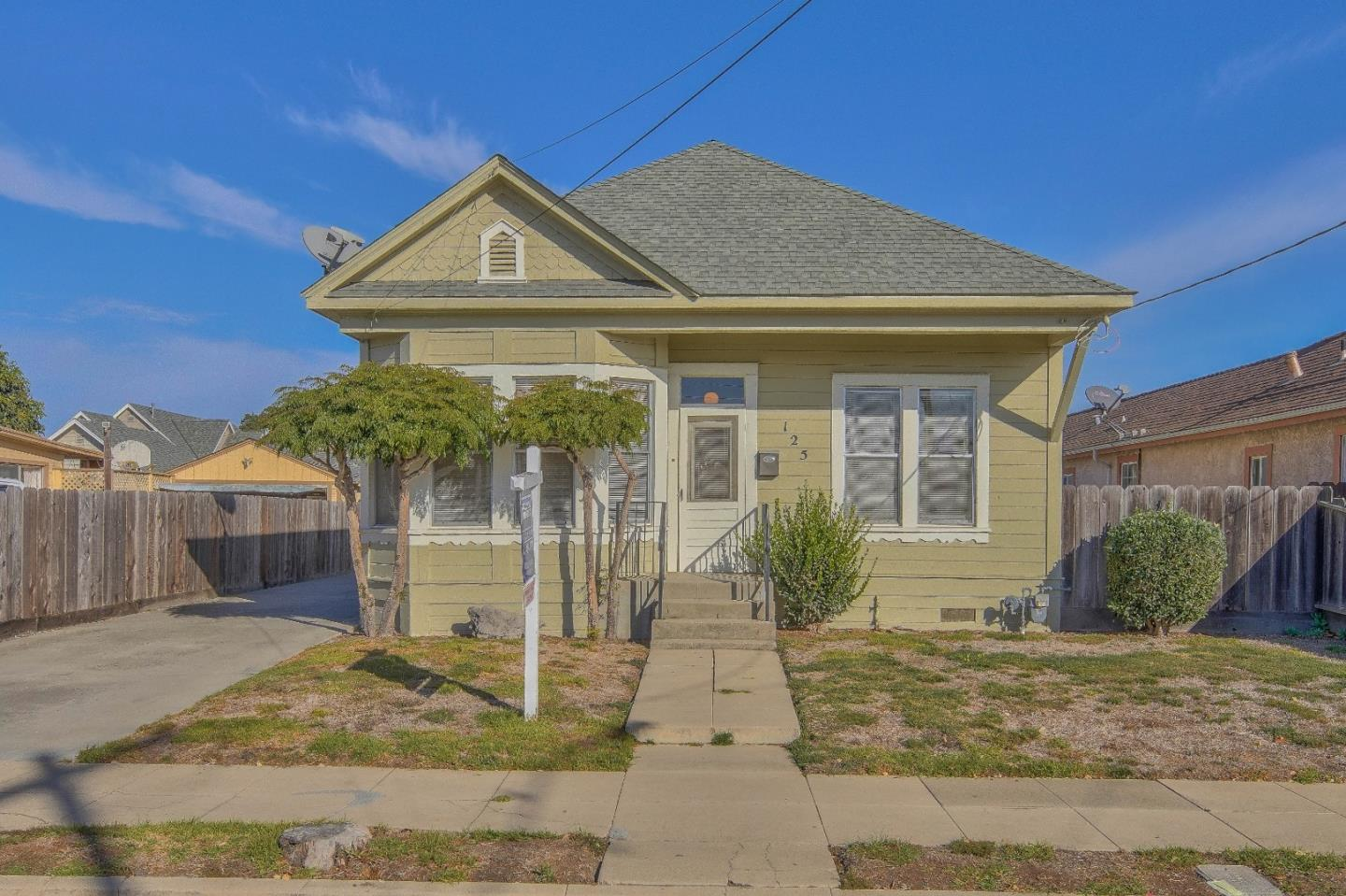 Detail Gallery Image 1 of 1 For 125 Harvest St, Salinas,  CA 93901 - 2 Beds | 1 Baths