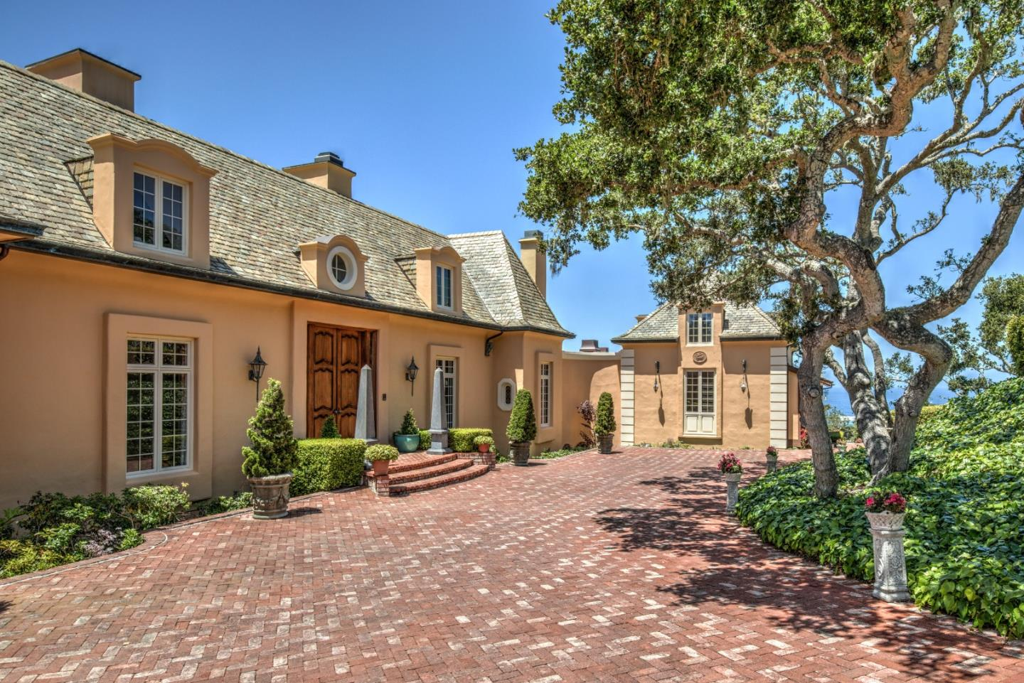 Detail Gallery Image 1 of 33 For 3205 Ballantrae Ln, Pebble Beach,  CA 93953 - 6 Beds | 5/4 Baths