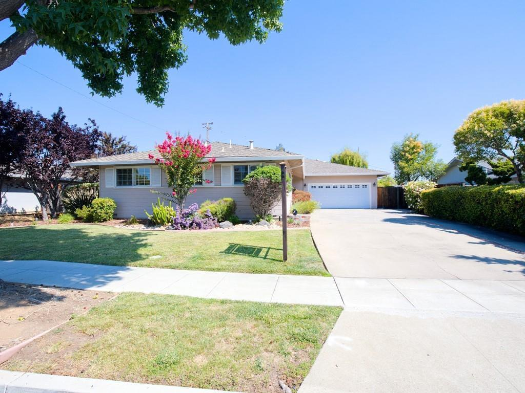 Detail Gallery Image 1 of 1 For 811 Louise Dr, Sunnyvale,  CA 94087 - 4 Beds | 2/1 Baths