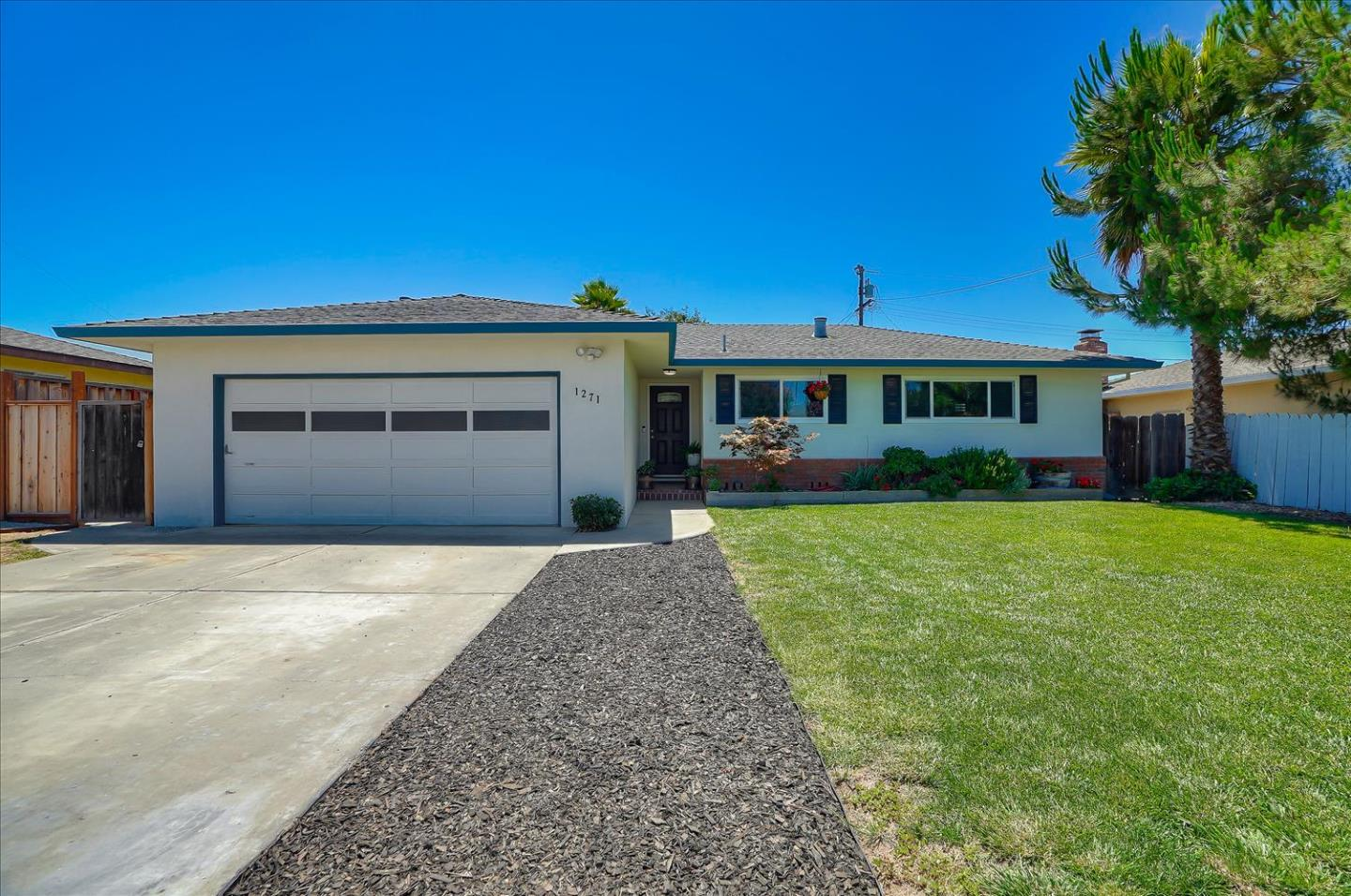 Detail Gallery Image 1 of 1 For 1271 Mesa Dr, Hollister,  CA 95023 - 3 Beds | 2 Baths