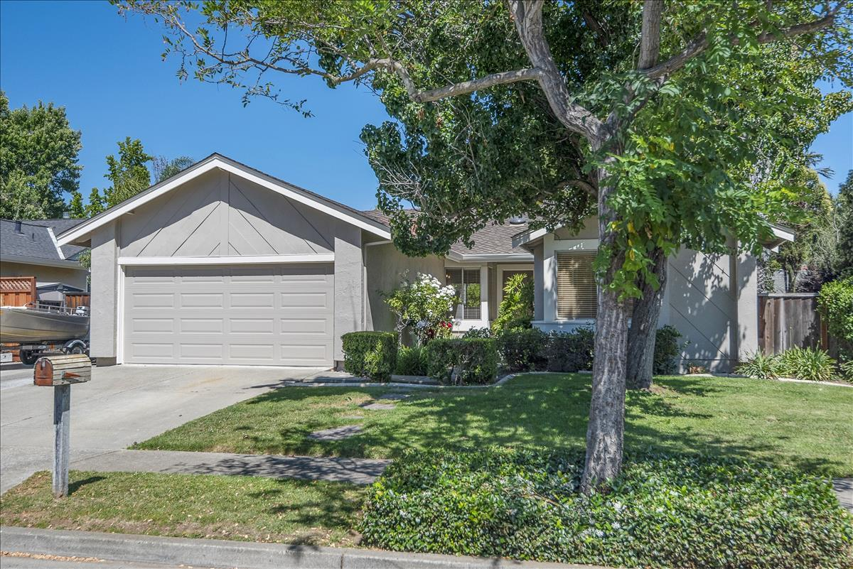 Detail Gallery Image 1 of 1 For 7320 Hagen Ct, Gilroy,  CA 95020 - 3 Beds | 2 Baths