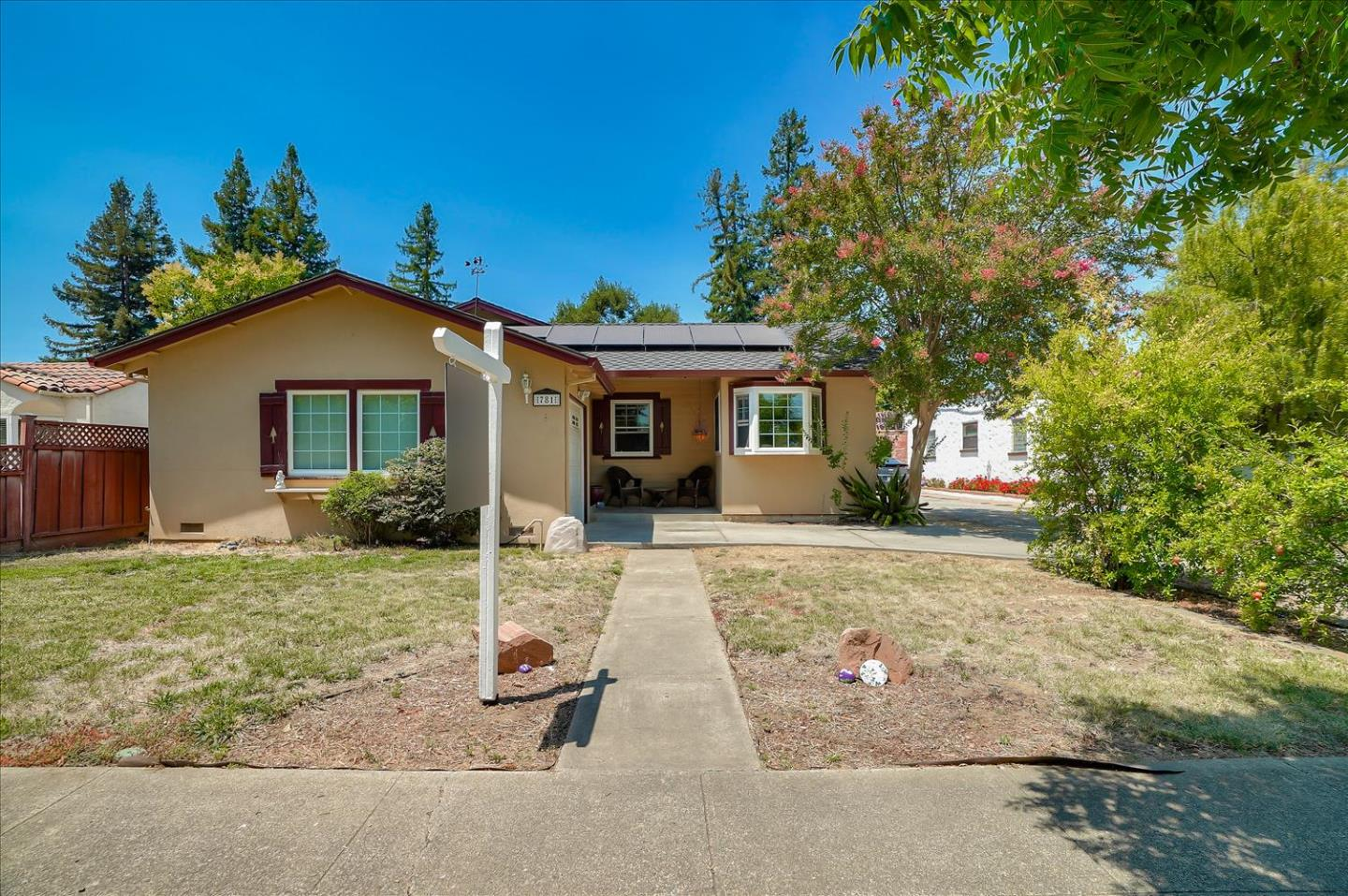 Detail Gallery Image 1 of 1 For 781 5th St, Gilroy,  CA 95020 - 2 Beds | 1 Baths