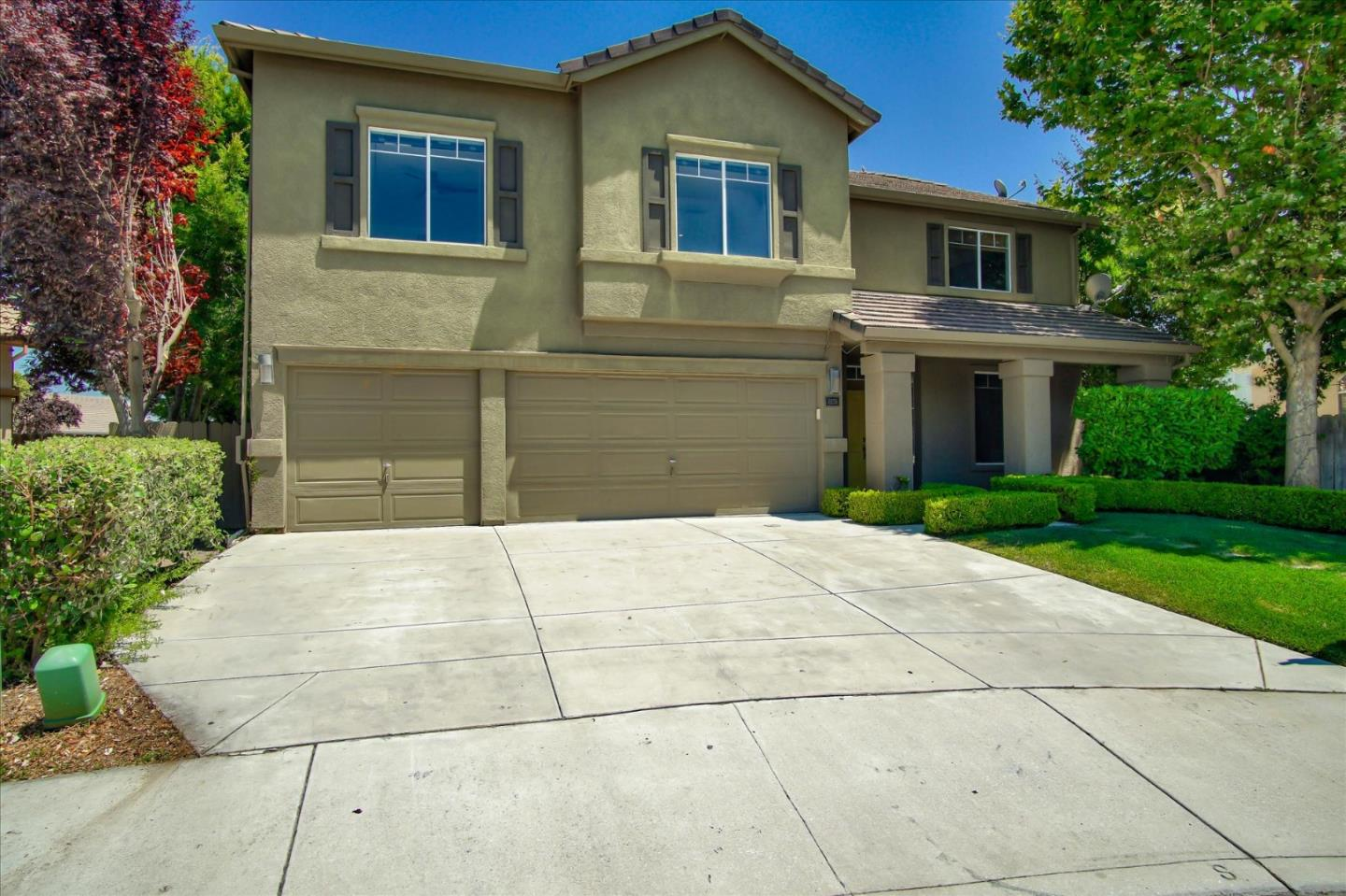 Detail Gallery Image 1 of 34 For 2251 Pinnacle Ct, Hollister,  CA 95023 - 4 Beds | 2/1 Baths