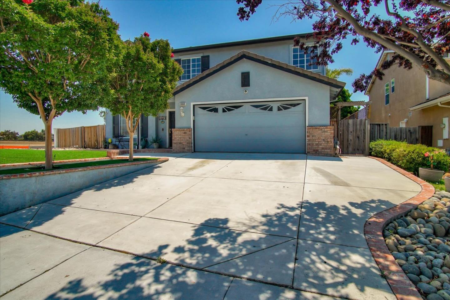 Detail Gallery Image 1 of 1 For 2660 Glenview Dr, Hollister,  CA 95023 - 4 Beds | 2/1 Baths