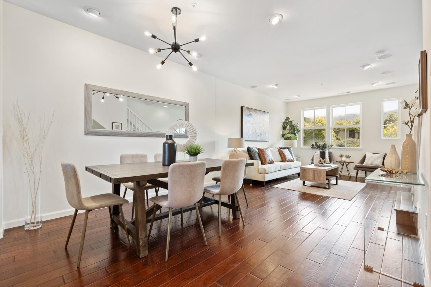Detail Gallery Image 1 of 1 For 1267 Mission Rd, South San Francisco,  CA 94080 - 3 Beds | 2/1 Baths