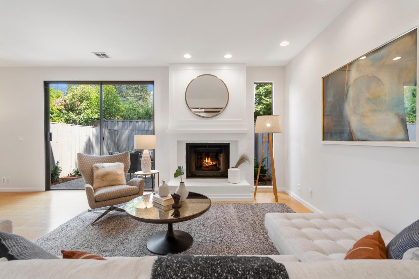 Detail Gallery Image 1 of 1 For 128 Amherst Ave, Menlo Park,  CA 94025 - 2 Beds | 2/1 Baths