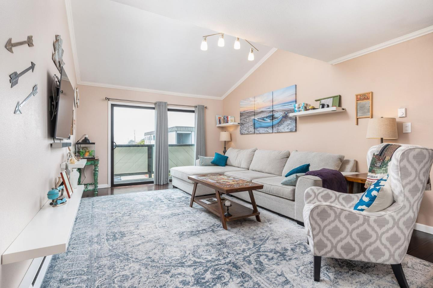 Detail Gallery Image 1 of 1 For 250 Willow Ave #434,  South San Francisco,  CA 94080 - 1 Beds | 1 Baths